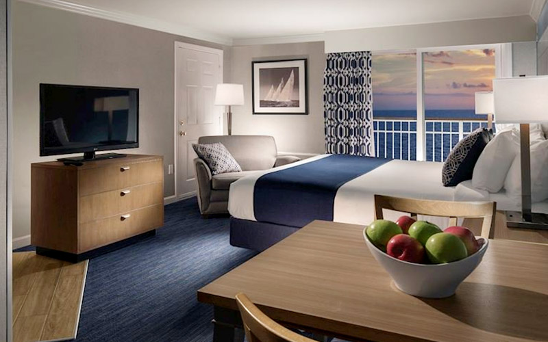 King Guestroom at Nantasket Beach Resort, Massachusetts